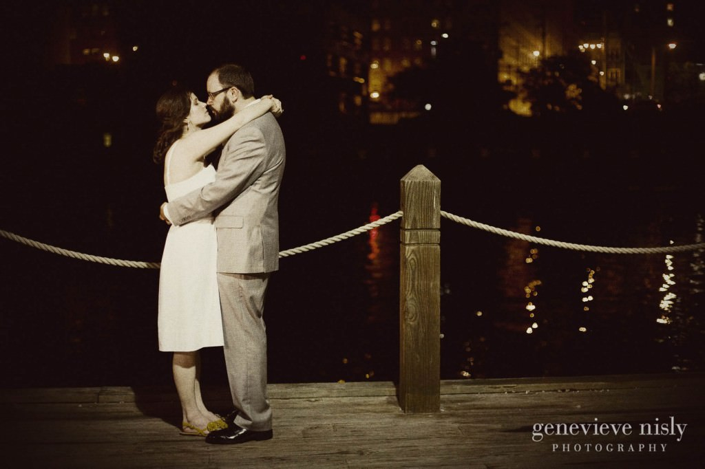 erin-dave-039-windows-on-the-river-cleveland-wedding-photographer-genevieve-nisly-photography