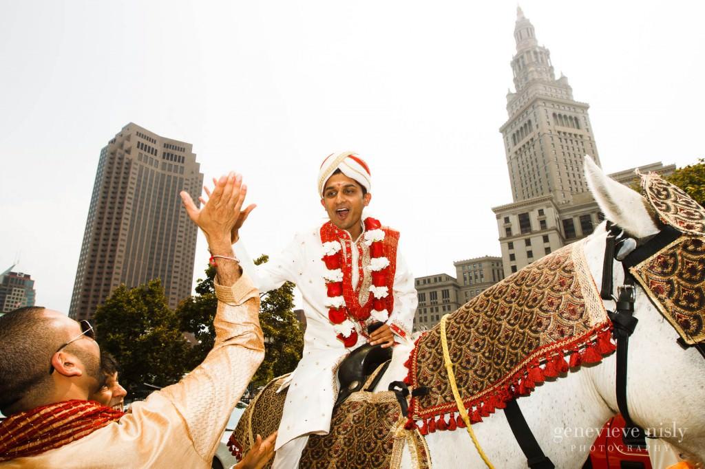 Cleveland, Copyright Genevieve Nisly Photography, Ohio, Renaissance Hotel, Summer, Wedding
