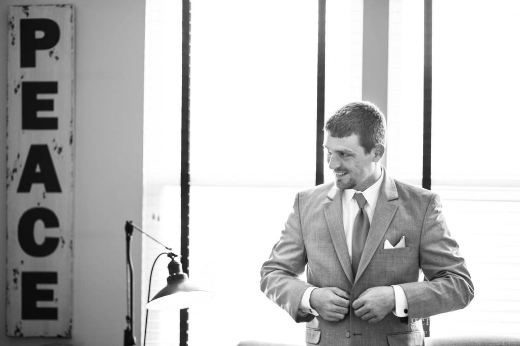 Copyright Genevieve Nisly Photography, Ohio, Spring, Wedding
