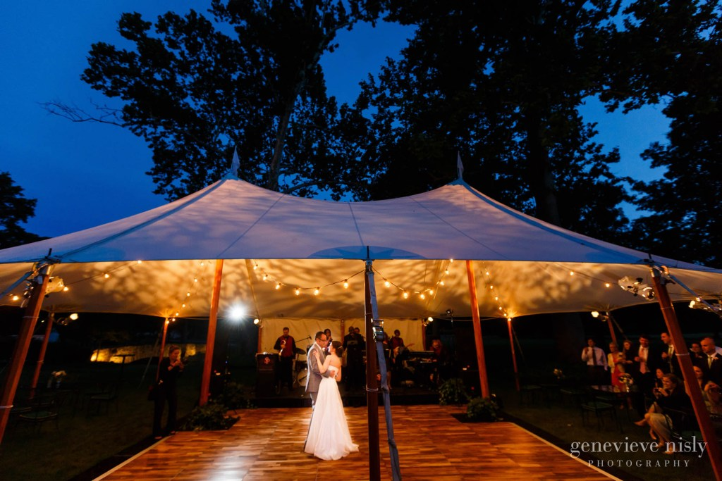 Chagrin Valley Hunt Club, Copyright Genevieve Nisly Photography, Gates Mills, Ohio, Summer, Wedding