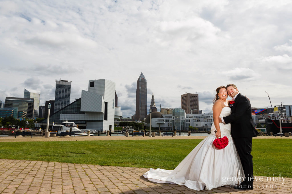 Cleveland, Copyright Genevieve Nisly Photography, Fall, Voinovich Park, Wedding