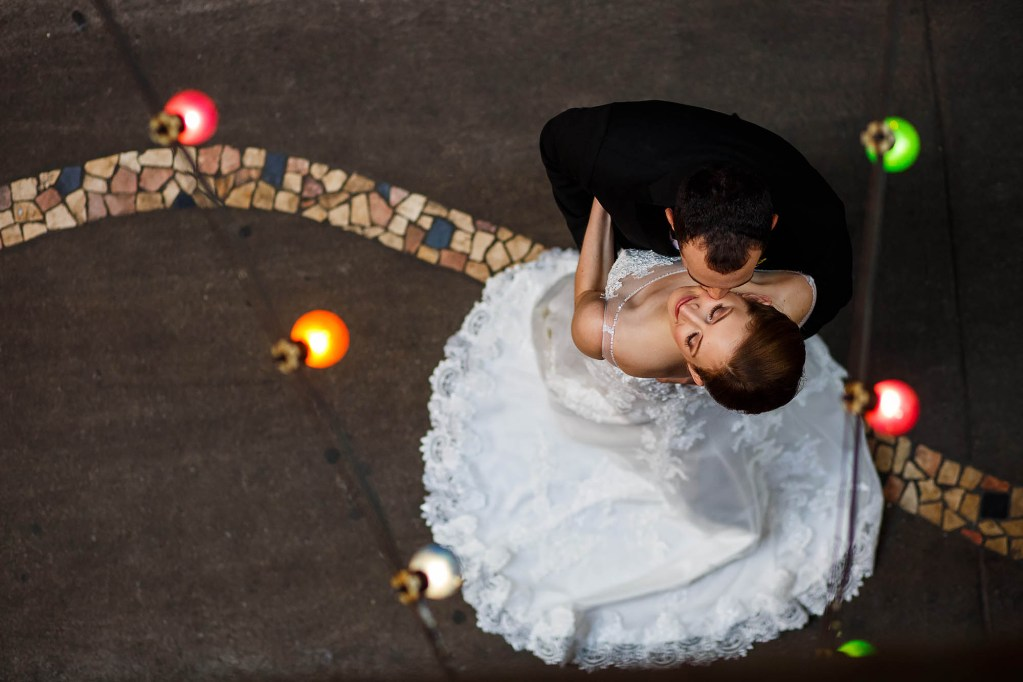 003-east-4th-cleveland-wedding-photographer-genevieve-nisly-photography