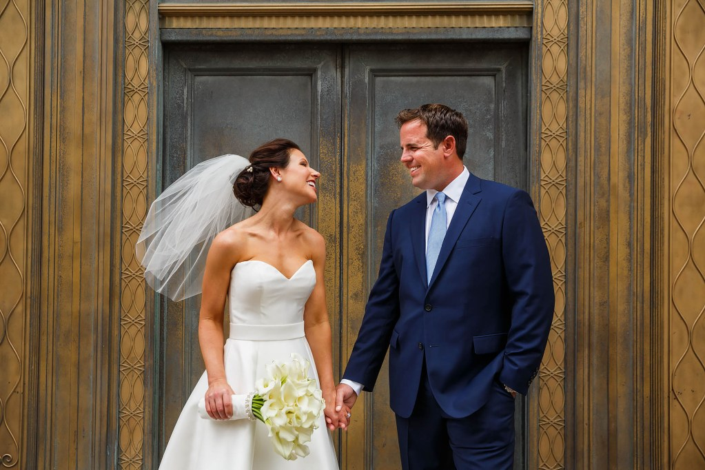 032-downtown-cleveland-wedding-photographer-genevieve-nisly-photography