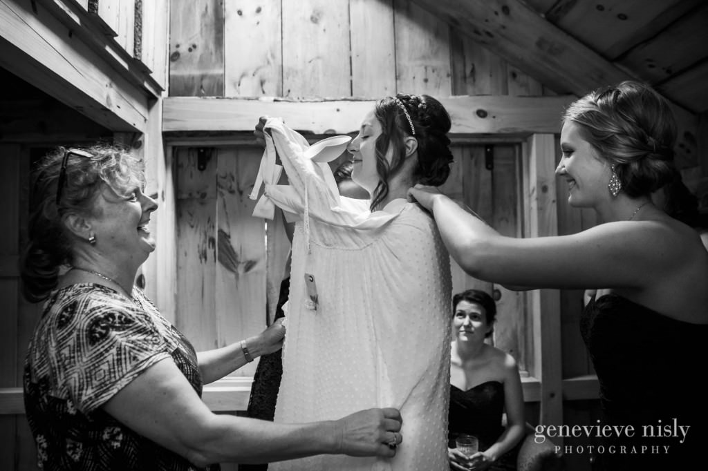 emily-cory-002-grand-barn-mohicans-wedding-photographer-genevieve-nisly-photography