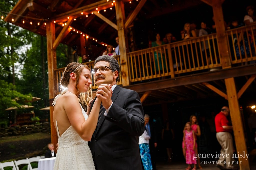 emily-cory-017-grand-barn-mohicans-wedding-photographer-genevieve-nisly-photography