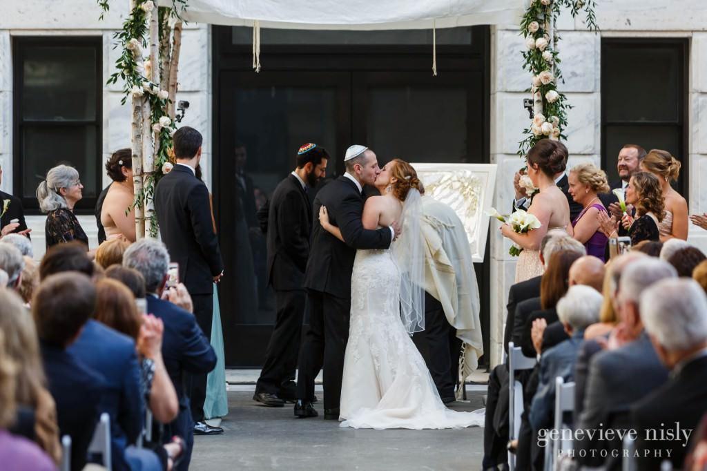steven-beth-035-museum-of-art-cleveland-wedding-photographer-genevieve-nisly-photography