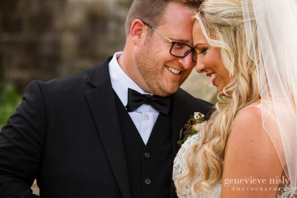 Alyssa-Brian-017-cultural-gardens-cleveland-wedding-photographer-genevieve-nisly-photography