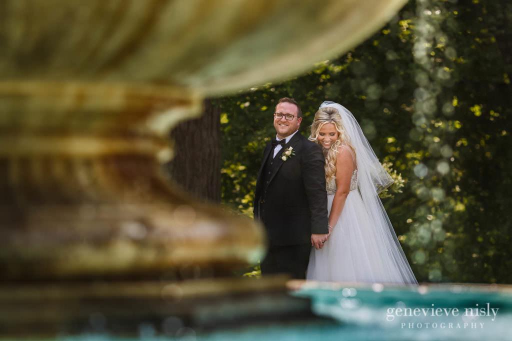 Alyssa-Brian-019-cultural-gardens-cleveland-wedding-photographer-genevieve-nisly-photography