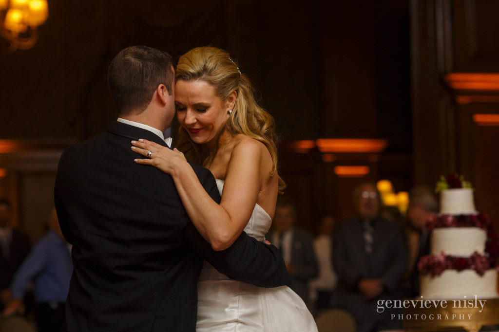 ryan-jennifer-029-union-club-cleveland-wedding-photographer-genevieve-nisly-photography