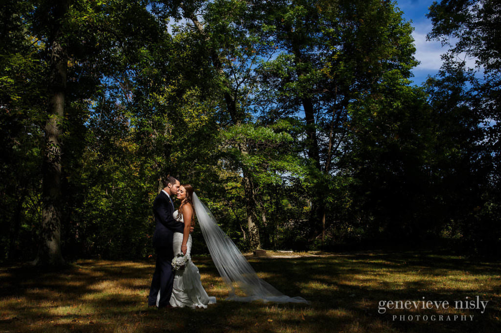 lauren-craig-028-shaker-lakes-cleveland-wedding-photographer-genevieve-nisly-photography