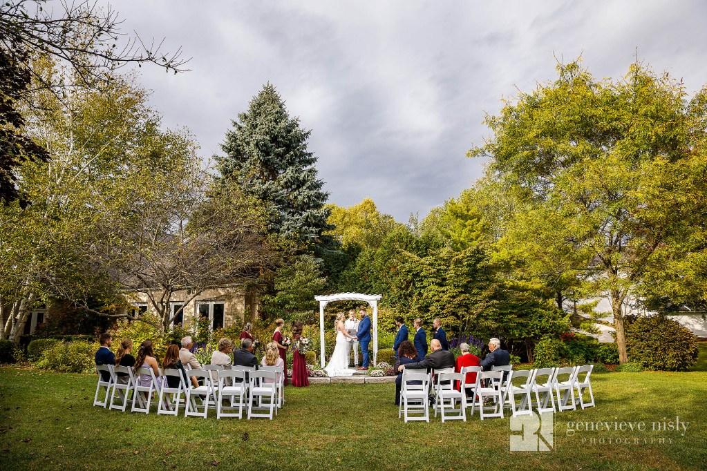 Autumn wedding ceremony at Walden inn in Aurora, Ohio.