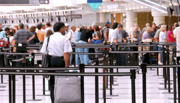 Awas Taktik Pengedar Dadah Di Airport.  Gadis Ini Kongsikan Detik Hampir Terkena. 4