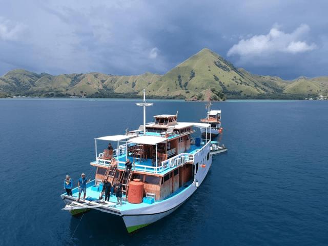 Nusa Penida Dan Flores Di Indonesia Kombinasi Terbaik Untuk Yang Sukakan Alam Semulajadi 4