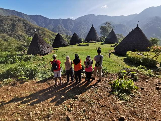 Nusa Penida Dan Flores Di Indonesia Kombinasi Terbaik Untuk Yang Sukakan Alam Semulajadi 8