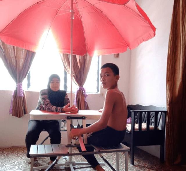 [Foto] Tepu Duduk Di Rumah, Rakyat Malaysia Bercamping Dalam Rumah Hiburkan Hati 7