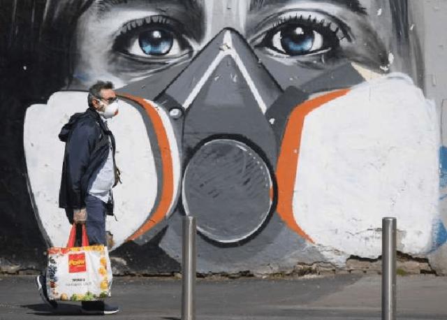 [Foto] Hebah Kesedaran Bahayanya COVID-19 Melalui Graffiti 3