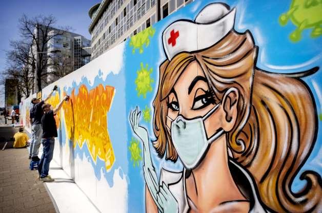 [Foto] Hebah Kesedaran Bahayanya COVID-19 Melalui Graffiti 5