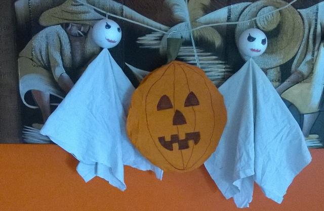 Decorazioni halloween zucca da appendere genitorialmente for Decorazioni halloween