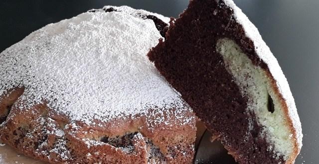 Torta veloce: Torta bicolore menta e cacao | Genitorialmente