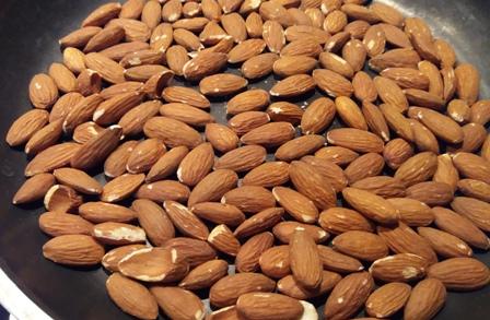Come fare le mandorle caramellate alla siciliana | Genitorialmente
