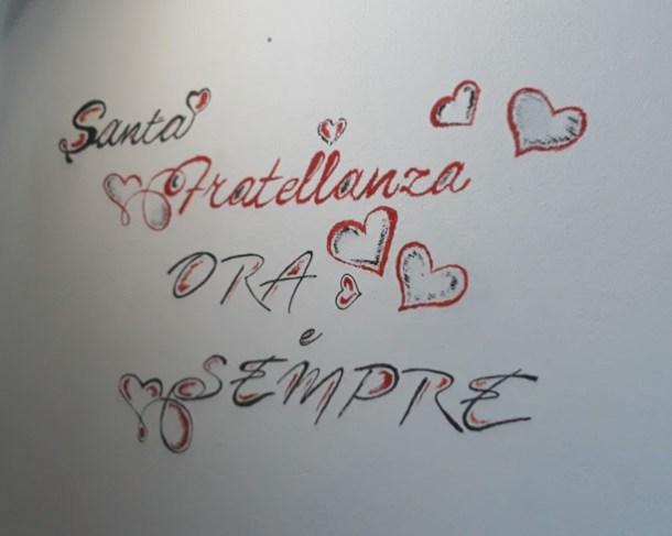 Come decorare la parete con le scritte shabby chic   Genitorialmente