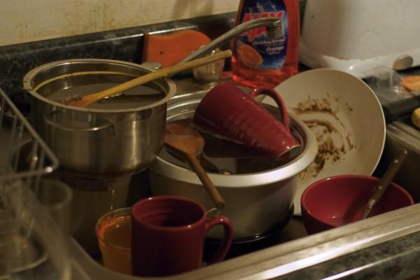 nao-deixe-os-pratos-sujos-acumularem-na-pia-3