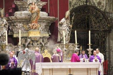 Todos los detalles del funeral en la Catedral de Sevilla (9)