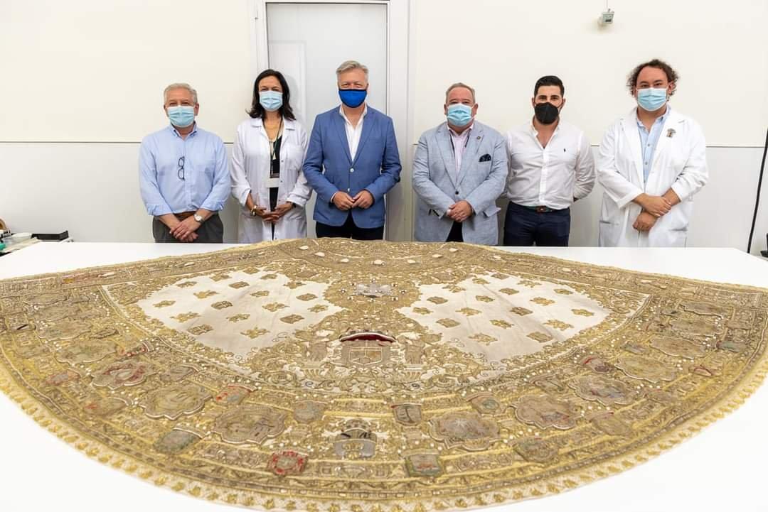 El IAPH concluye la restauración del terno de los Apóstoles de la Virgen del Rocío