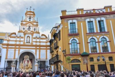 La Macarena anuncia la procesión de la Virgen del Rosario y la bendición de la imagen de San José
