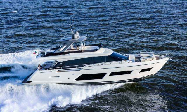 Ferretti Group schiera una flotta di 7 modelli. Nella foto Ferretti Yachts 670
