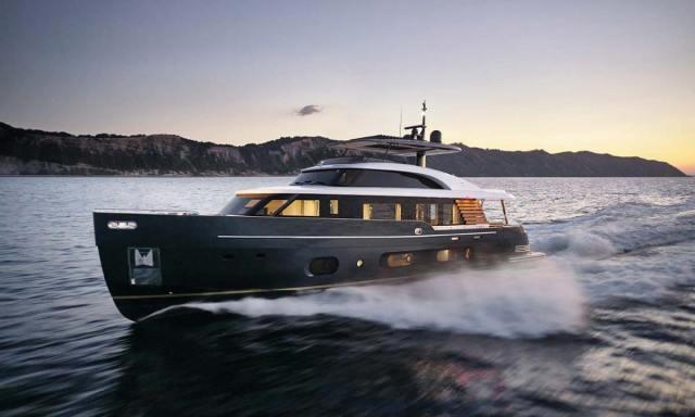Azimut Yachts: Magellano 25M