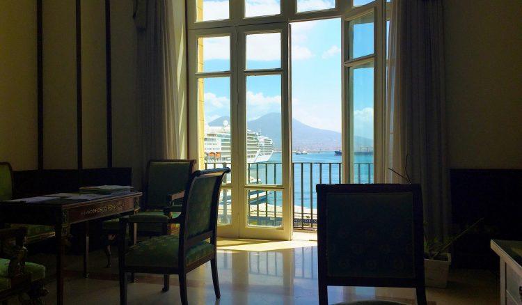 La Parthenope nel porto di Napoli raccontata dal Rettore Carotenuto.