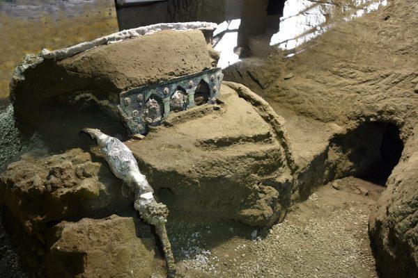 Pompei: la storia del carro della Civita Giuliana