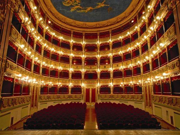 A Salerno dal Teatro Verdi a Music on The Port