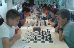 Τεράστια συμμετοχή από τους σκακιστές του ΟΦΗ