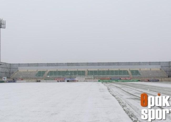 """""""Χιονοδρομικό κέντρο"""" το γήπεδο στα Πηγάδια!"""