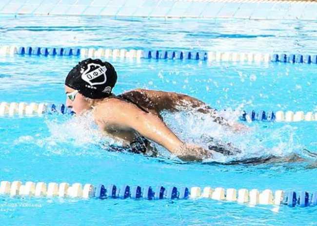 Στην πισίνα του ξενοδοχείου οι προπονήσεις της κολύμβησης του ΟΦΗ