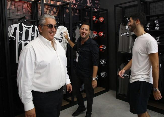 Pics | Πλήθος κόσμου στο OFI FC Official Store