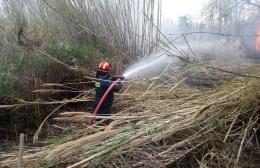 Μεγάλες ζημιές από φωτιά σε τροχόσπιτο στο Τυμπάκι