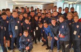 Pics | Επίσκεψη από τα παιδιά της ακαδημίας της Χερσονήσου στο ξενοδοχείο