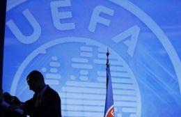 """Απειλή της UEFA: """"Αν διακόψετε τα πρωταθλήματα, δεν θα παίξετε στην Ευρώπη"""""""