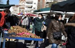 Aνοικτές παραμένουν  οι λαϊκές δημοτικές αγορές