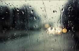 Βρέχει και φυσικά μένουμε και σήμερα στο σπίτι