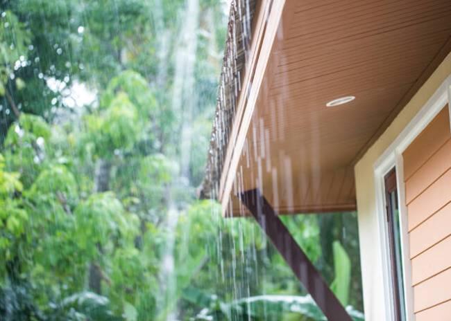 «Μένουμε σπίτι» με βροχή!