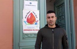 Video | Ο Σωτηρίου το έκανε πράξη: Πήγε και έδωσε αίμα δίνοντας το καλό παράδειγμα
