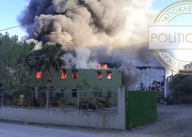 Μεγάλη πυρκαγιά σε εργοστάσιο ελαιόλαδου στην Φοινικιά – καταστράφηκε ολοσχερώς! (φώτος +βίντεο)