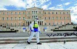 Κορωνοϊός: Μάσκα παντού κι απαγόρευση κυκλοφορίας μετά τις 00:30