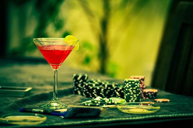 Cocktail mit Applejack und Grenadine