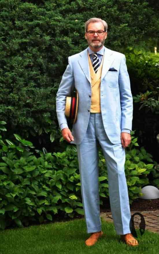 Grimod in Sky blue linen suit