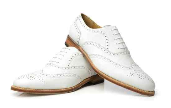 White Buckskin shoes with leather sole by Shoepassion